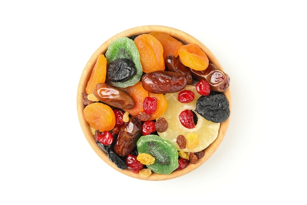 Bol avec fruits secs isolé sur blanc