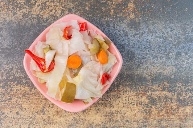 Un bol de légumes assortis