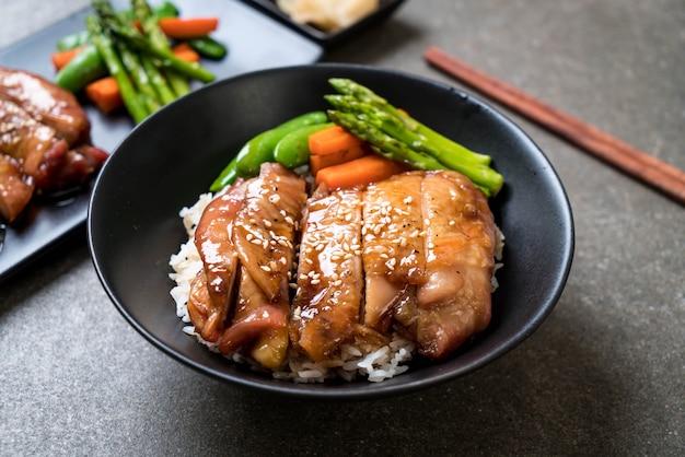 Bol de riz au poulet teriyaki