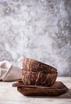 Bols en coquille de noix de coco