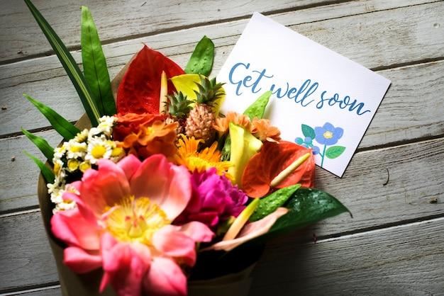 Bon rétablissement au message avec bouquet