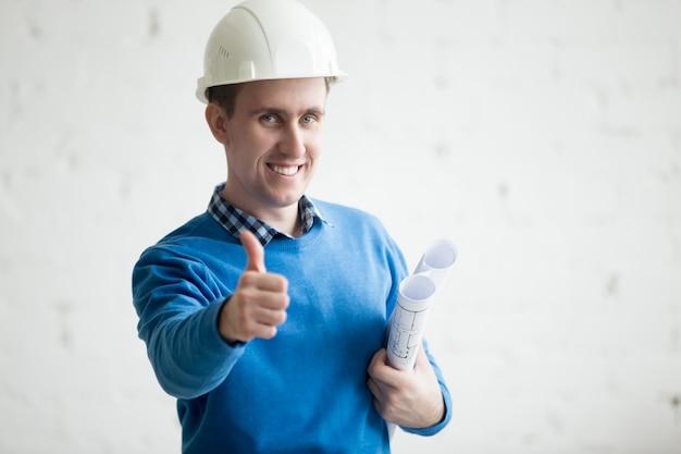 Bon travail avec la construction