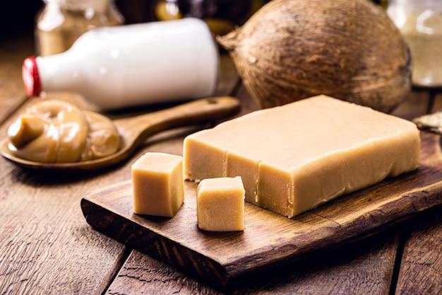 Bonbon au lait végétalien pâteux, caramel au lait de coco non sucré, bonbon sain, appelé dulce de leche