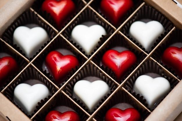 Bonbons artisanaux de l'auteur en forme de cœur