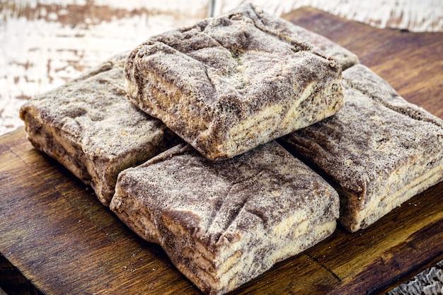 Bonbons au chocolat brésilien, servis lors de mariages et d'événements, appelés paille italienne