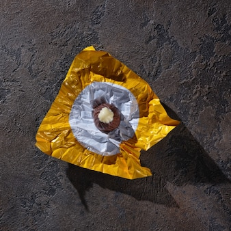 Bonbons au chocolat dans un emballage