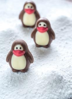 Bonbons au chocolat en forme de pingouins