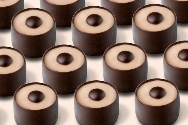 Bonbons au chocolat fourrés au lait de café