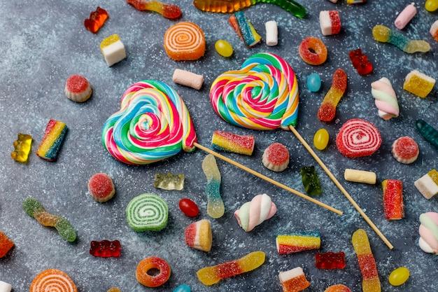 Bonbons colorés, gelée et marmelade, vue de dessus