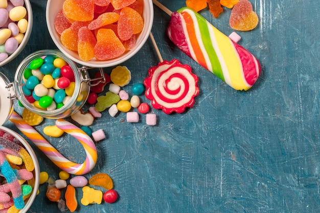 Bonbons colorés mélangés
