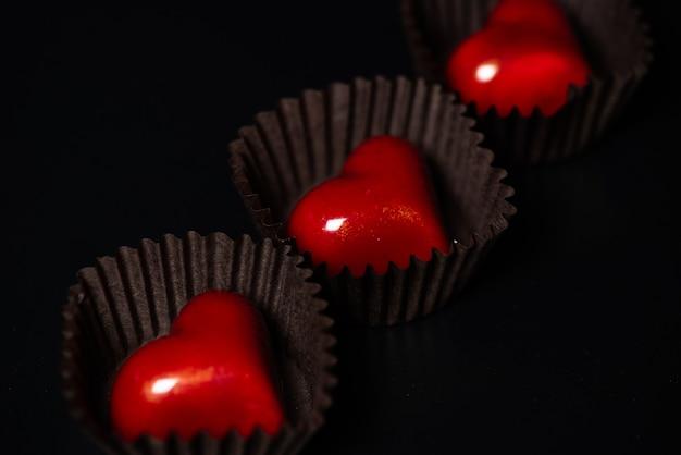 Bonbons en forme de coeur au chocolat pour le cadeau de la saint-valentin