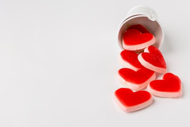 Bonbons en forme de coeur avec espace de copie