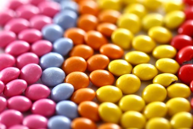 Bonbons glacés colorés