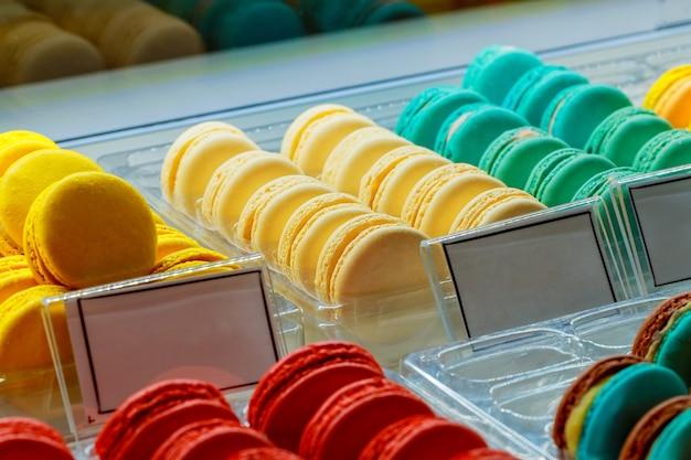 Bonbons macarons français multicolores à vendre