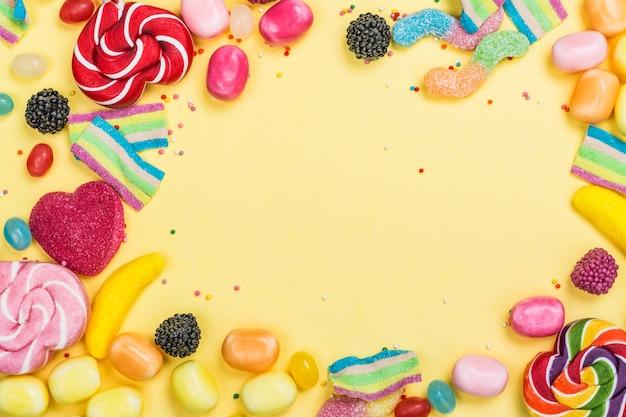 Bonbons, sucettes, vers de gelée
