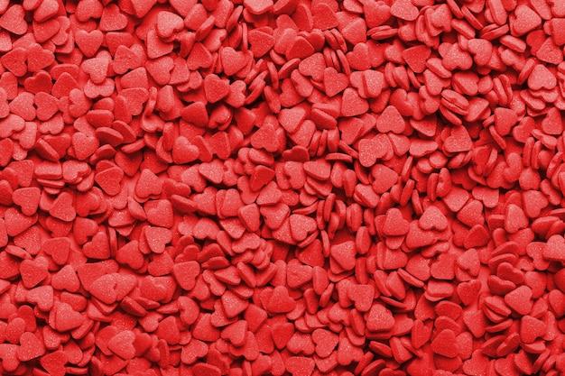 Bonbons sucrés rouges en forme de coeur