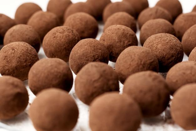Bonbons à la truffe française dessert santé fait maison