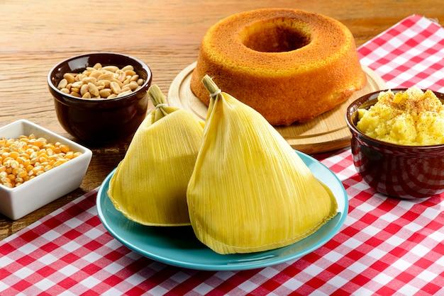 Bonbons typiques du festival brésilien de juin. focus sur pamonha