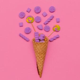 Bonbons en vue de dessus de cornet de crème glacée