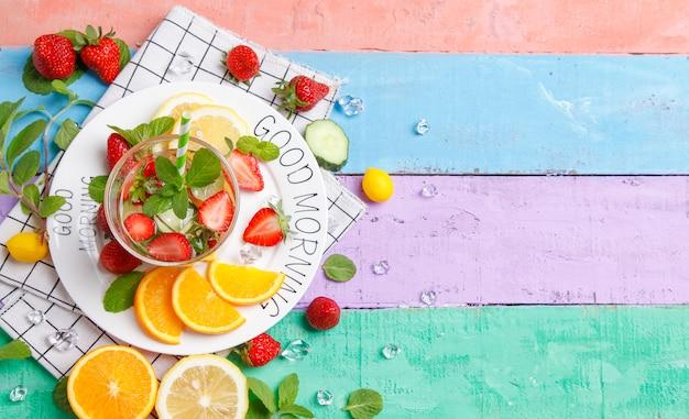 Bonjour les fruits frais.