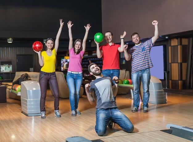 Bonne équipe au bowling