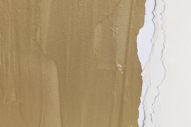 Bordure de papier déchiré en rose sur fond marron fait main