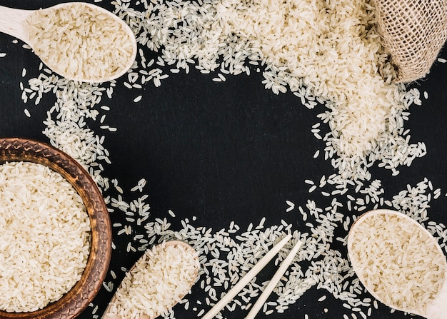 Bordure de riz blanc renversé