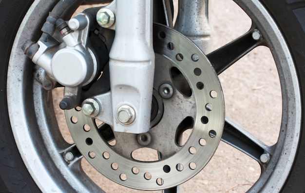 Bouchent la cassure du couvercle de la roue de la moto