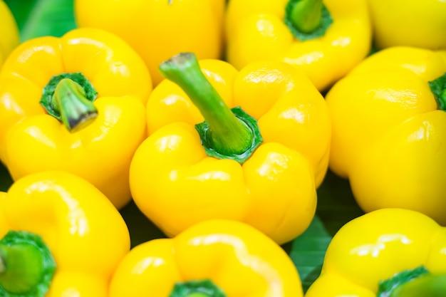 Bouchent fond de piment jaune