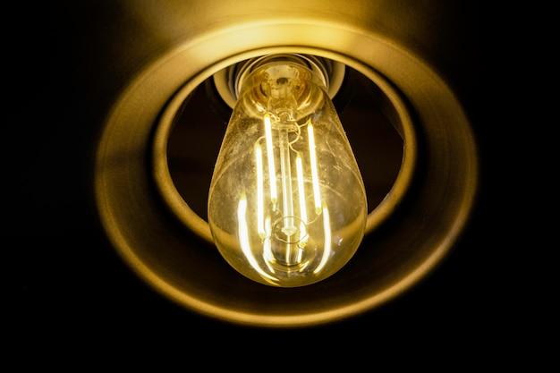 Bouchent la lampe à incandescence