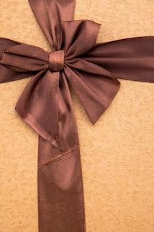 Bouchent ruban couleur café avec archet
