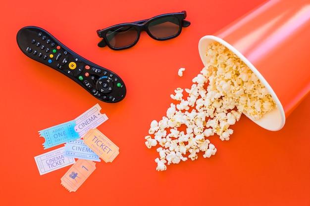Bouchon de pop-corn et éléments de cinéma