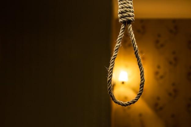 Boucle de corde de suicide.