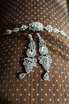 Boucles d'oreilles et bracelet mariée