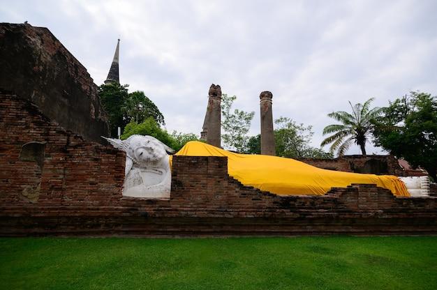Bouddha couché wat yaichaimongkol