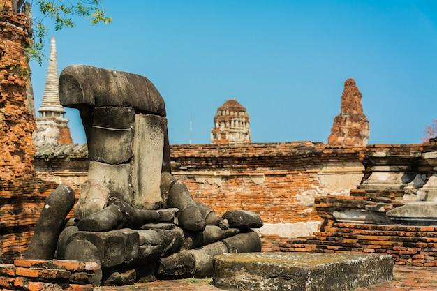 Bouddha en décomposition, thaïlande ruines et antiquités au parc historique d'ayutthaya
