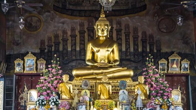 Bouddha de gloden au temple