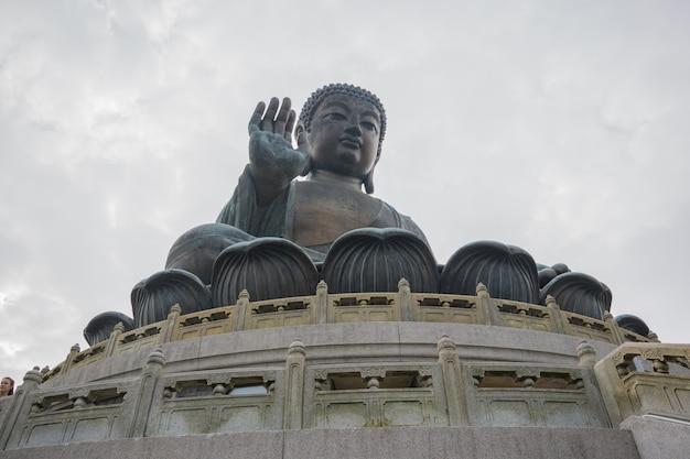 Bouddha tian tan à ngong ping, île de lantau, hong kong