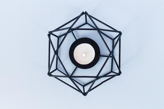Bougeoir en métal moderne ou bougeoir chandelier
