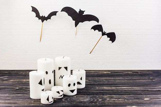 Bougies et chauves-souris décor pour halloween