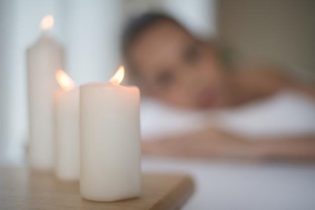 Bougies dans le spa