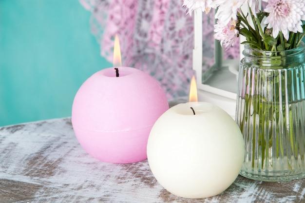 Bougies parfumées roses et crème