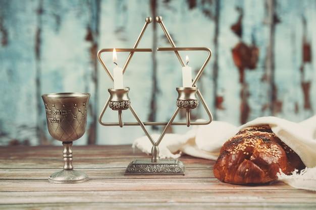 Bougies de shabbat en chandeliers de verre