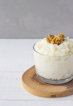 Bouillie de riz laitier noix