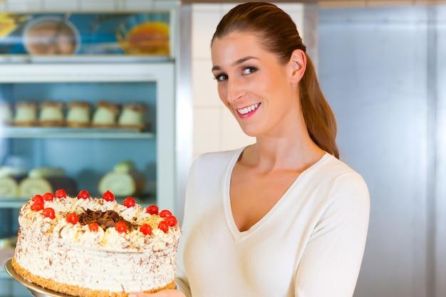 Boulanger ou pâtissier à la torte