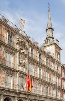 Boulangerie maison sur la plaza mayor de madrid, espagne