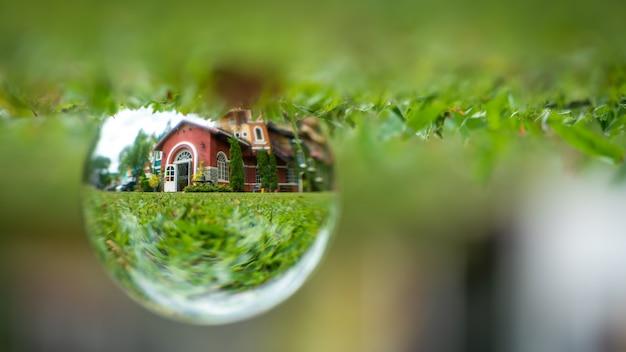 Boule de cristal de maison