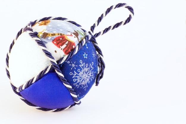 Boules de noël faites à la main, tradition italienne, en tissu et cordon