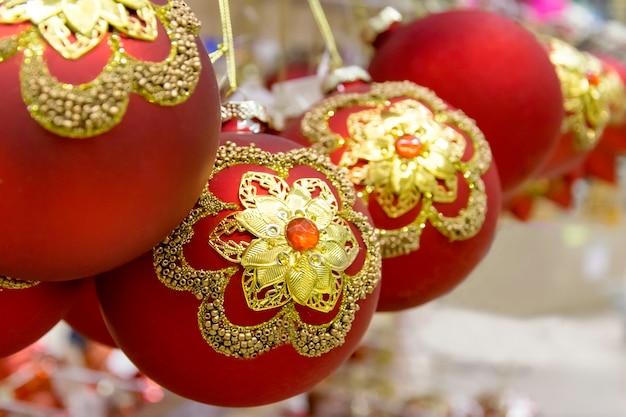 Boules rouges du nouvel an