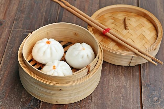 Boulette chinoise cuit à la vapeur des petits pains